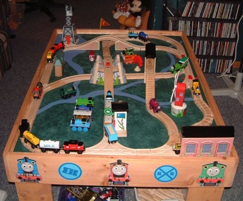 wooden railway table plans : thomas wooden train set and table - pezcame.com
